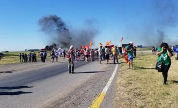 Cortan rutas contra el cierre de la planta defabricaciones militaresde Azul