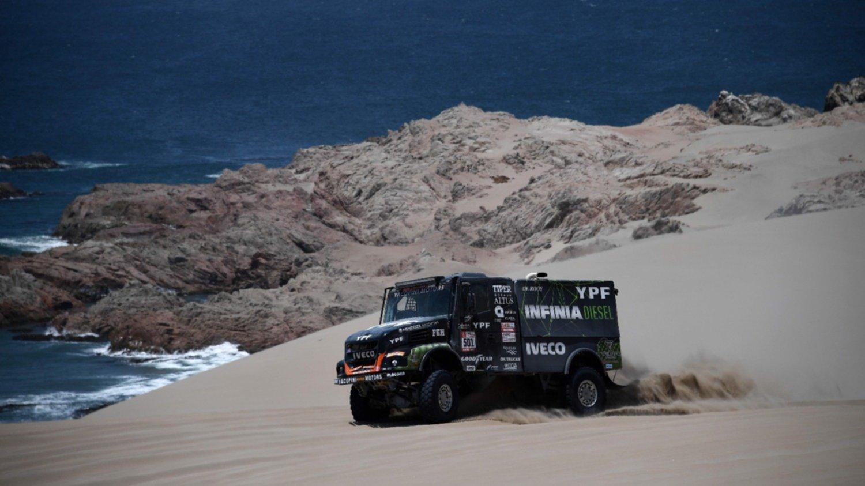 El argentino Villagra dio el zarpazo y lidera en camiones