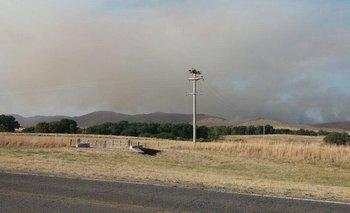Sierra de la Ventana: bomberos de toda la región combaten un incendio cerca de la localidad