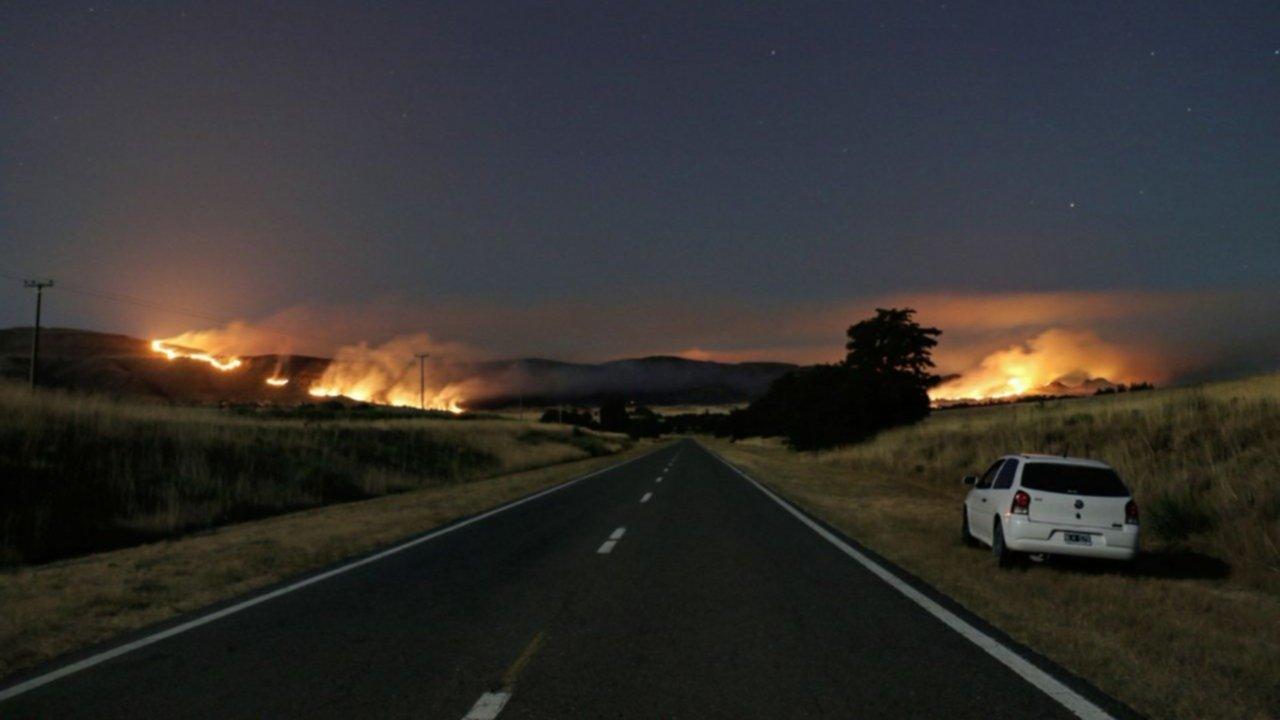Incendio en Sierra: el fuego ya arrasó unas 3 mil hectáreas y todavía no está controlado