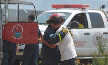 Cómo ayudar a los bomberos que están combatiendo el incendio en las sierras