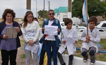 Arroyo Corto se movilizó en contra de la fusiónde cursos en las escuelas locales