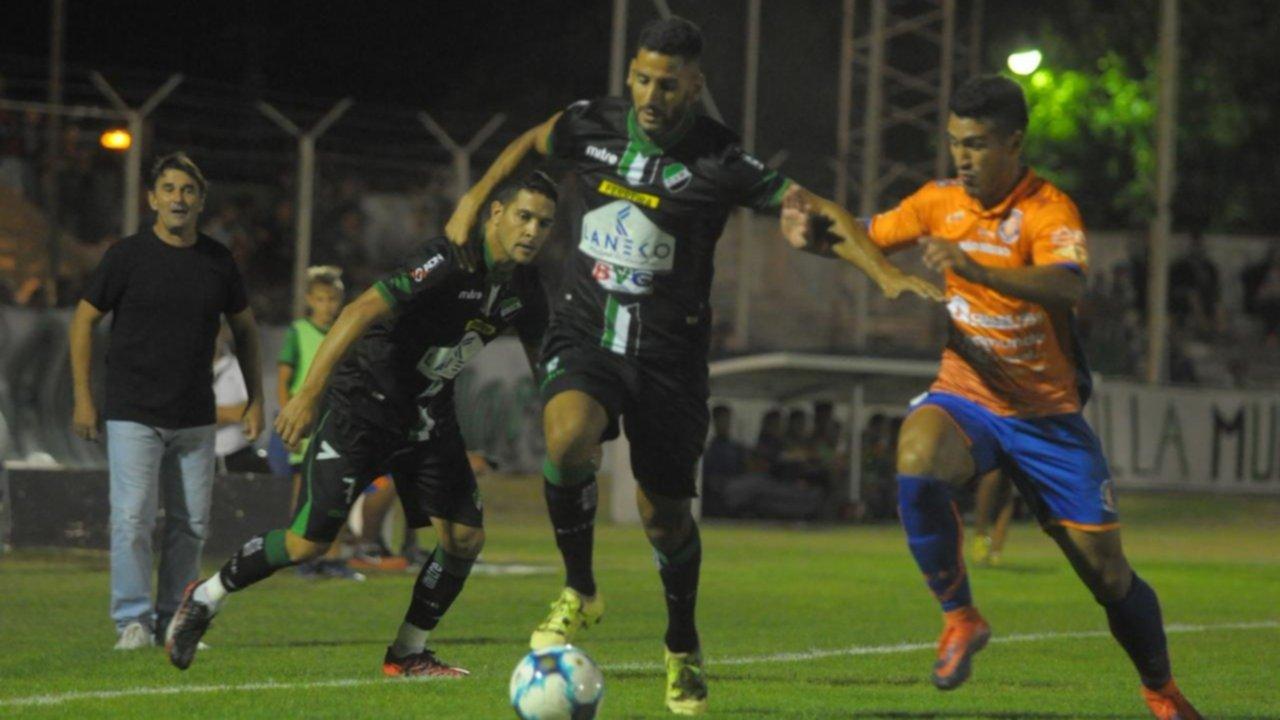 Federal A: Villa Mitre perdió 3-0 ante Deportivo Roca y sigue último en su zona
