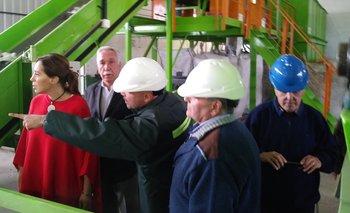 Vidal visitó la planta de reciclado de Coronel Suárez
