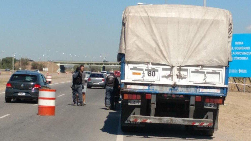 Un camionero fue acribillado de cinco balazos para robarle $$150.000
