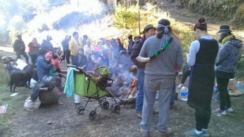 Mapuches ocupan un predio de Emanuel Ginóbili en Villa La Angostura