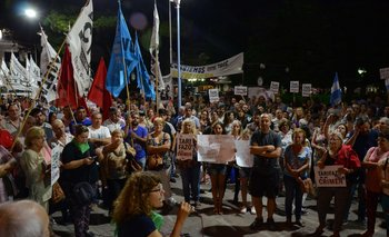 """Se hizo un """"ruidazo"""" nacional, con protestas y cacerolazos contra la suba de tarifas"""