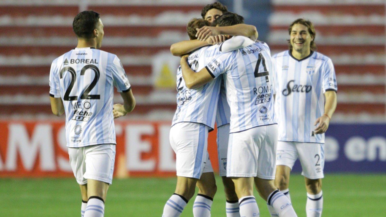 Copa Libertadores: Atlético Tucumán goleó 3-0 a The Strongest y dio un paso clave