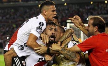 Copa Libertadores: River derrotó a Emelec, por 2-1, y quedó a un paso de los octavos