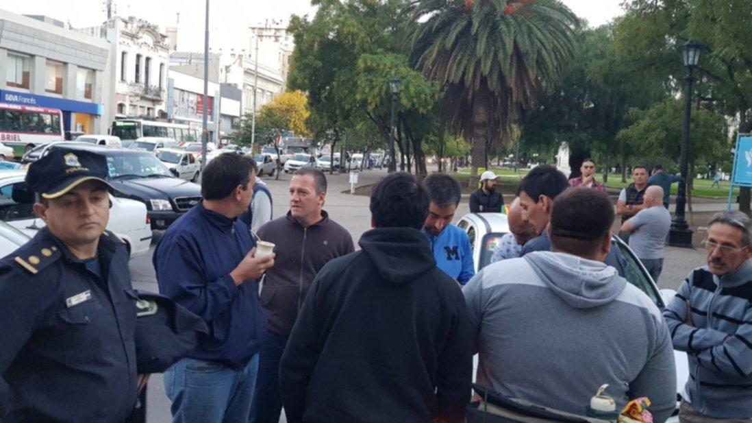 Balearon en la cabeza a un taxista durante un asalto — Bahía Blanca