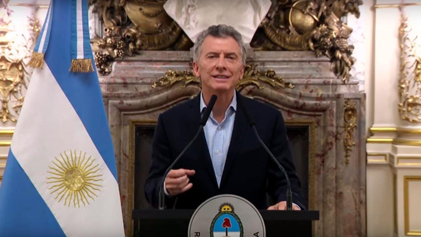 Macri confirmó que ya negocia un auxilio financiero con el FMI