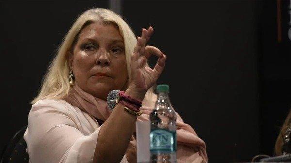 """Carrió denunció un """"golpe cambiario"""" para destituir al presidente Mauricio Macri"""