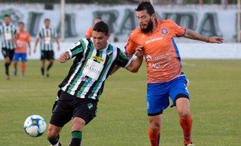 Federal A: Villa Mitre cayó 2-1 ante Deportivo Roca