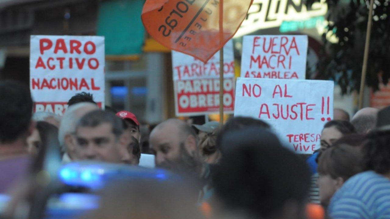 En imágenes: marcharon en Bahía contra el tarifazo