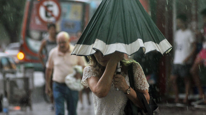 Emiten un alerta por fuertes tormentas para Bahía y la región