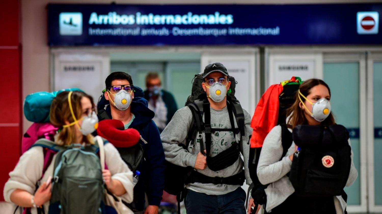 Se reducirán un 30% los vuelos internacionales para frenar los contagios - Actualidad