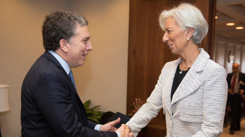Dujovne viajará a Estados Unidos para reunirse con Lagarde y petroleros