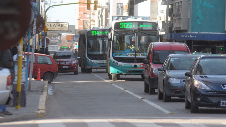 Transporte: paro de empresas de corta y media distancia