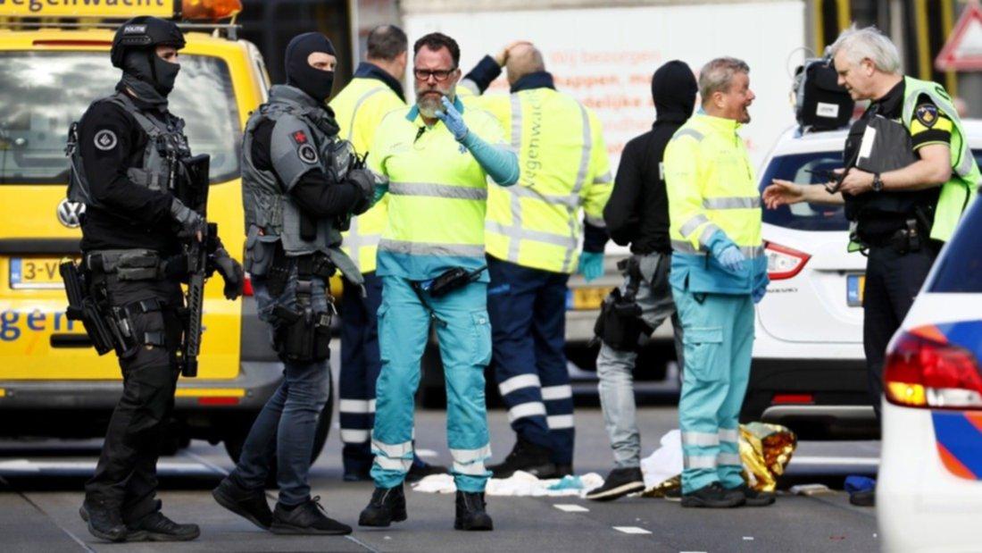 Tiroteo en tranvía de Holanda deja varios heridos