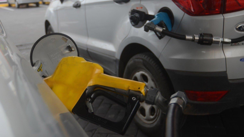 Desde hoy domingo, YPF también aumentará el precio de sus combustibles