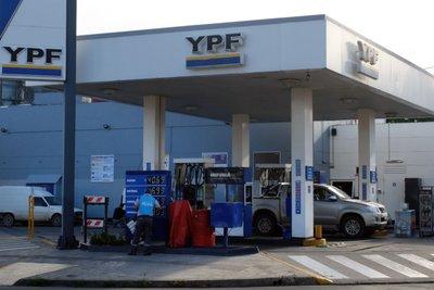 Por el alza de un impuesto, YPF subió las naftas y el resto de las petroleras pueden sumarse
