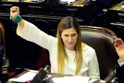 """Lospennato admitió que el impulso del presidente al proyecto del aborto """"es un diferencial importante"""""""