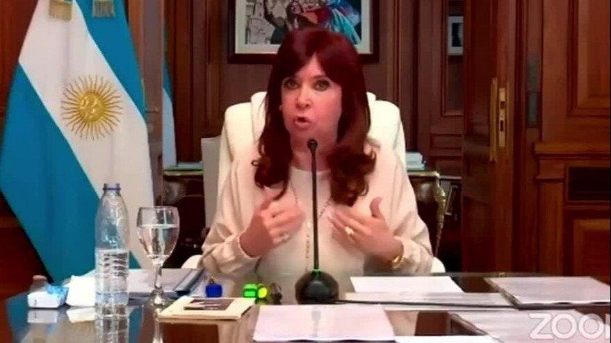 Cristina apuntó contra los jueces: