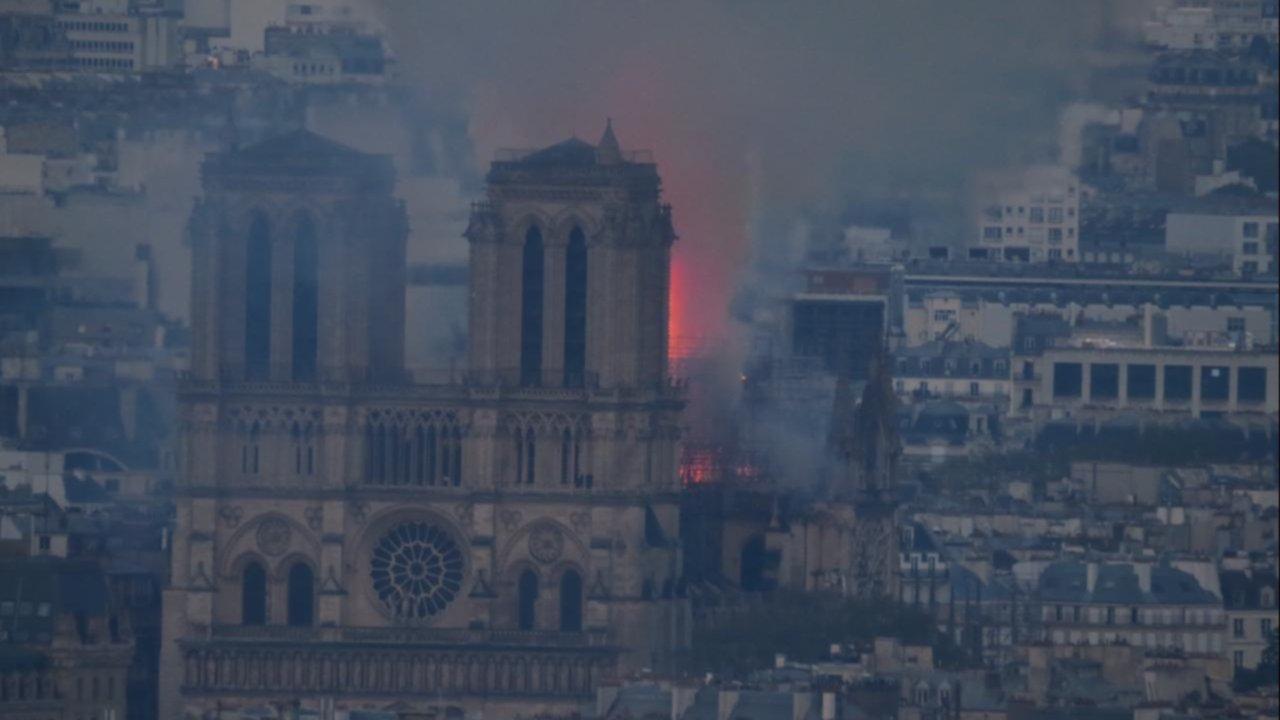 Un bahiense vivió todo el incendio de Notre Dame desde la Torre Eiffel