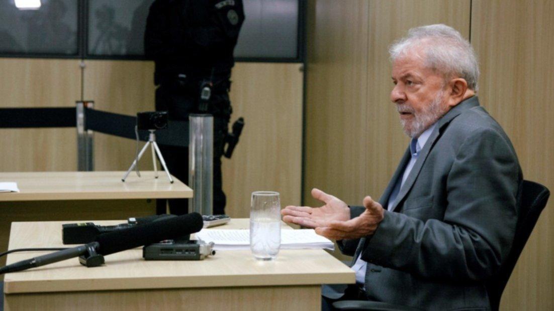 Jair Bolsonaro reitera política de tenencia de armas — Brasil