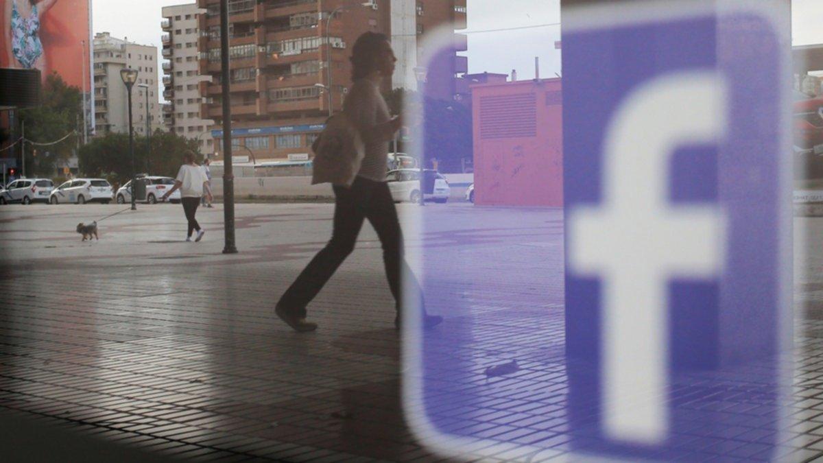 Las publicaciones de 14 millones de usuarios de Facebook se volvieron públicas por error