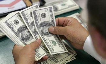 El dólar arrancó la semana con fuerte suba y marcó otro récord: $ 26,50 para la venta