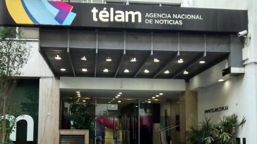 El Gobierno oficializó más de 350 despidos en la agencia de noticias Télam