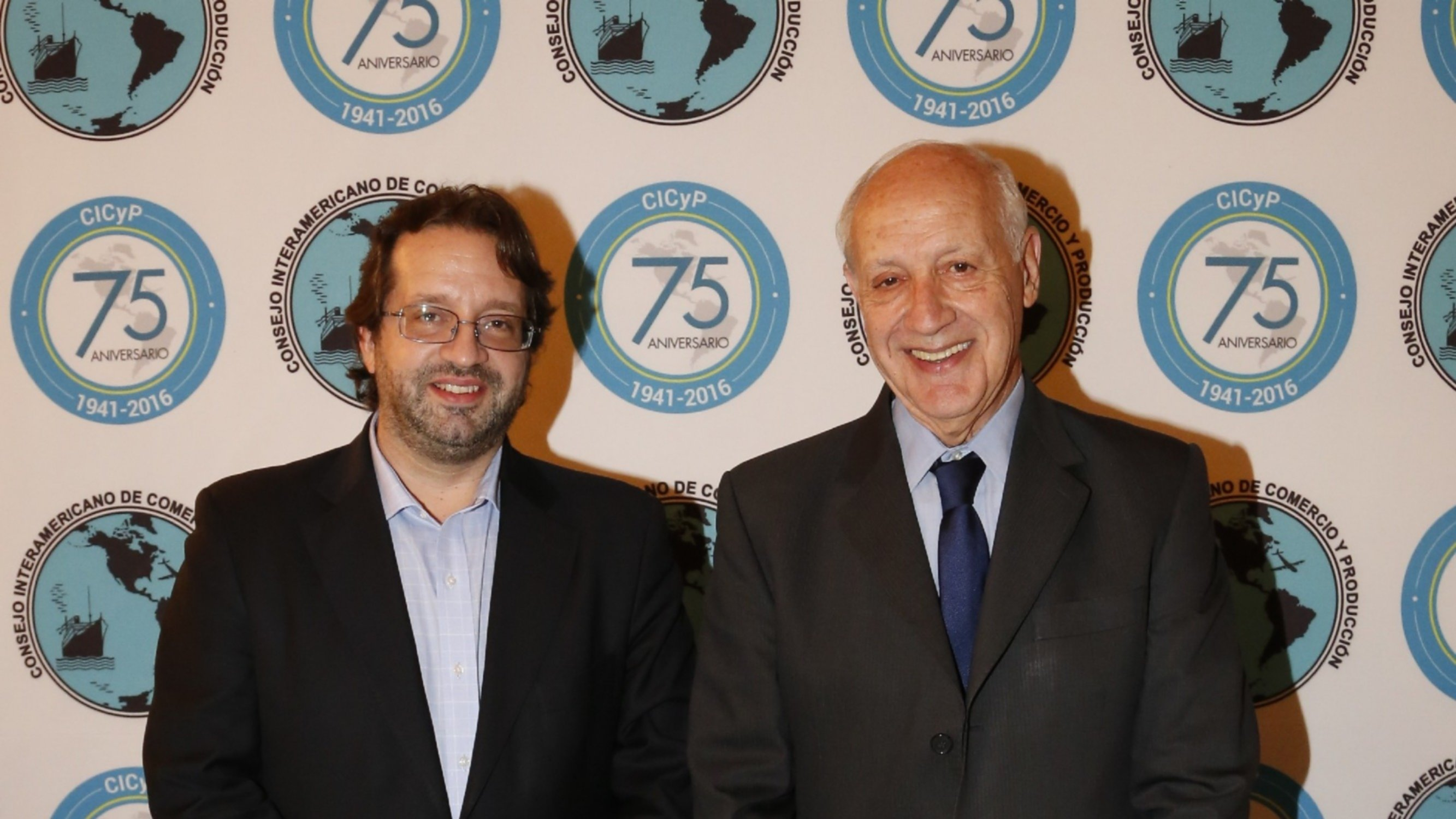 Romero junto a Lavagna y Urtubey