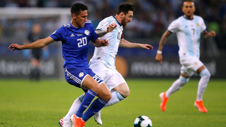 Argentina empató 1-1 con Paraguay y deberá ganar el domingo para clasificar