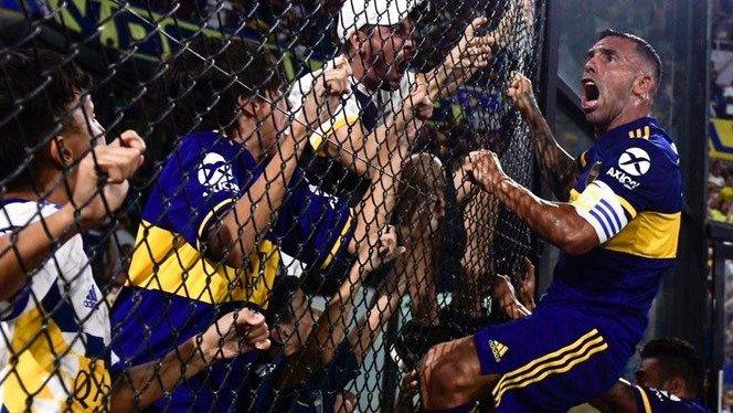 """Carlos Tévez renovó su vínculo con Boca: """"Voy a donar todo lo que cobre"""",  afirmó"""