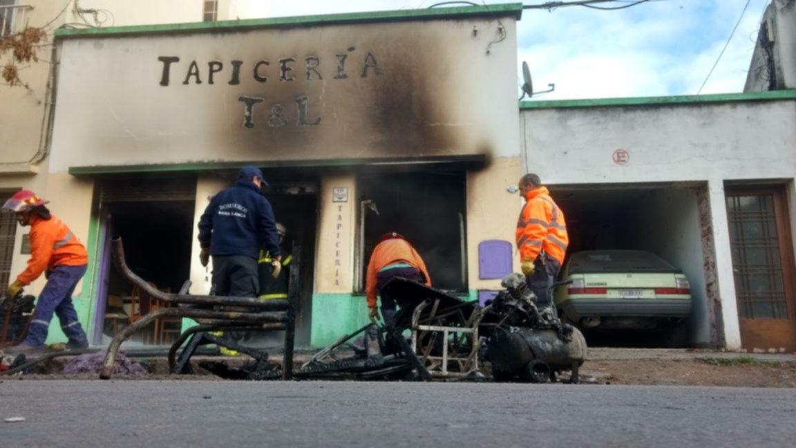 Se incendió una tapicería del barrio Hospital