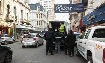 Una periodista bahiense abrió la puerta de un local que debía estar cerrada y cayó a un sótano