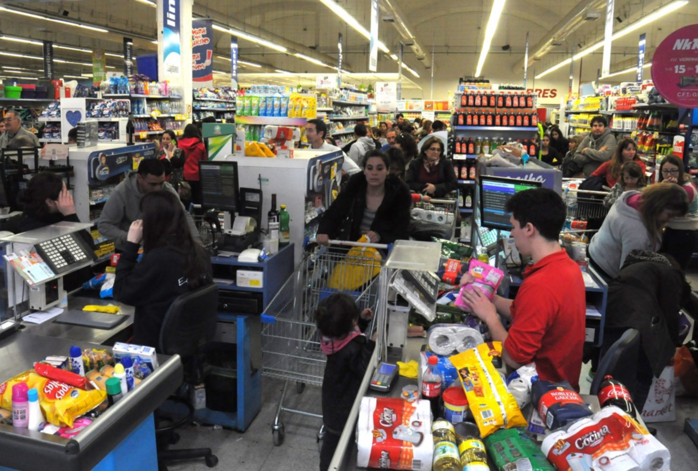 Un banco público ofrecerá mañana un descuento de 50% en supermercados