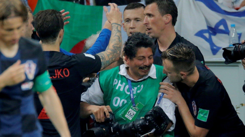 Croacia invita a vacacionar al fotógrafo aplastado por seleccionados en Rusia