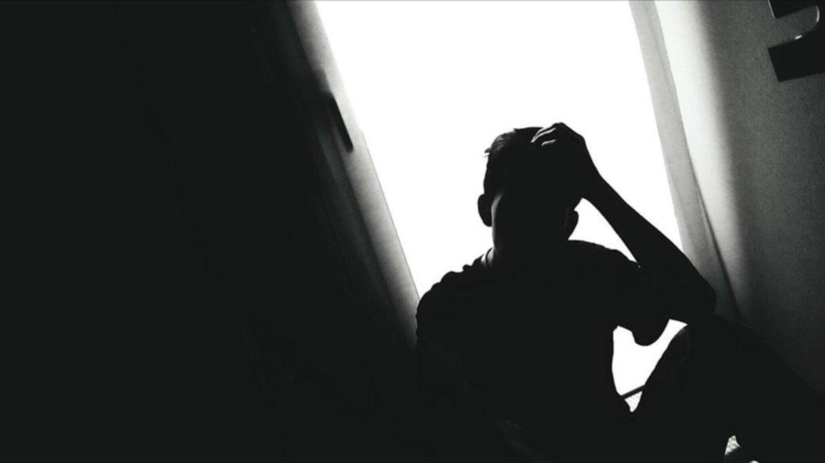 Preocupan los suicidios en Bahía Blanca: mitos, alertas y cómo ayudar a los adolescentes