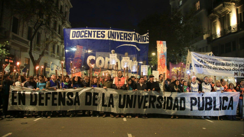 El Ministerio de Educación convocó a gremios de docentes universitarios para el lunes