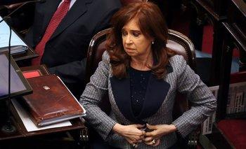 """Procesaron a Cristina Kirchner por ser la """"jefa"""" en la causa de los cuadernos"""