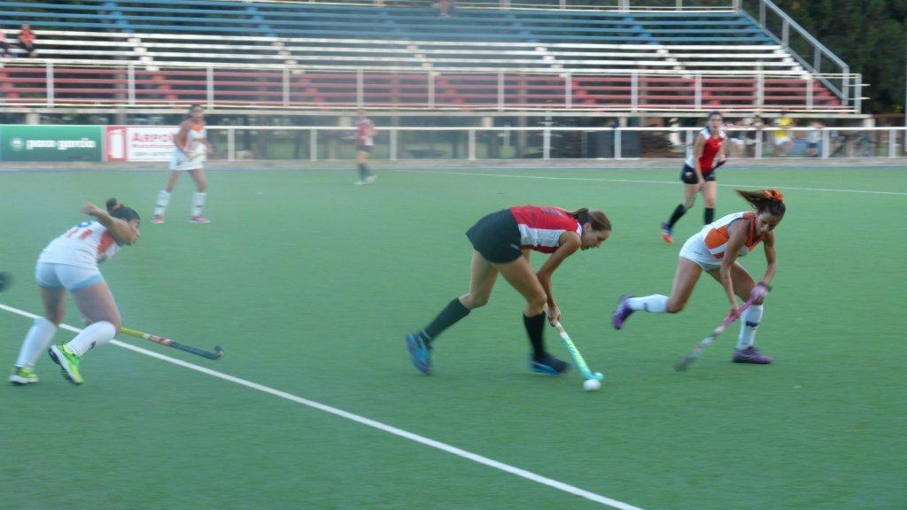 Hockey: Bahía hizo todo el desgaste, pero Mar del Plata marcó los goles
