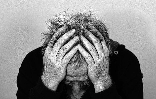 Resultado de imagen de depresion inmigrante. Imagen obtenida de: https://px.cdn.lanueva.com/102017/1511809506736.jpg