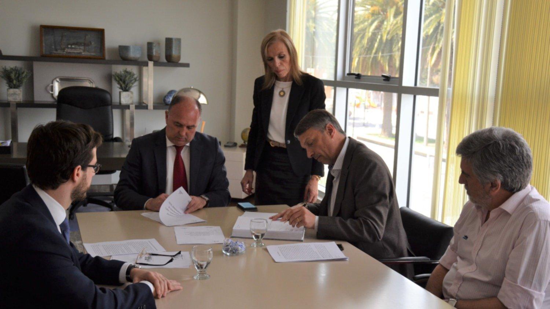 Bahía Blanca firma convenio para el dragado de mantenimiento