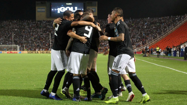 Con goles de Icardi y Dybala, la Selección venció 2-0 a México en Mendoza