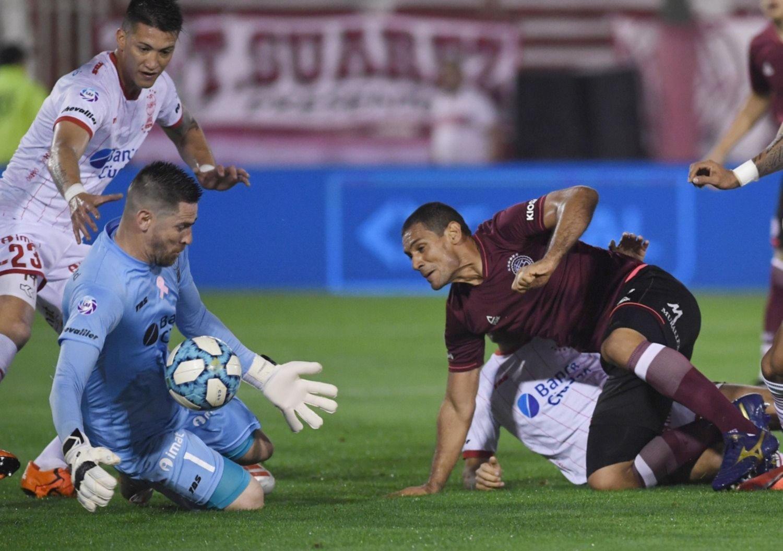 Superliga: Lanús le ganó a Huracán y comparte la punta con Argentinos