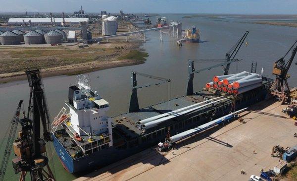 Nueva suba de los volúmenes de carga movilizados por el puerto local - La Nueva