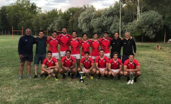 La Unión de Rugby del Sur se trajo una copa del Seven de la Patagonia - La Nueva